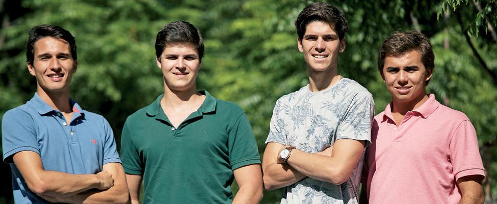 Estudantes aprendem a gerir uma empresa