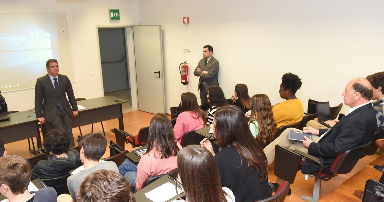 Programa de formação na área da gestão empresarial